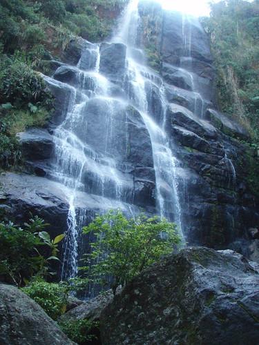 Cachoeira Veu-de-Noiva by murderous giraffe >3