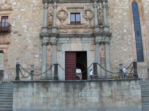 colegio arzobispo fonseca, main entrance