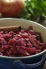 Red Cabbage (1/3) (Thorsten (TK)) Tags: red food apple germany cinnamon onions german cabbage garlic vinegar crockpot nutmeg cloves foodphotography redcabbage foodpresentation foodstyling realfoodgallery thorstenkraska germanfoodphotography