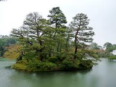 Kenrokuen, Kanazawa () (twiga_swala) Tags: japan garden japanese six prefecture region kanazawa kenrokuen ishikawa hokuriku    attributes  threegreatgardensofjapan  sanmeien