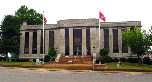 DeKalb County Courthouse - Smithville, TN