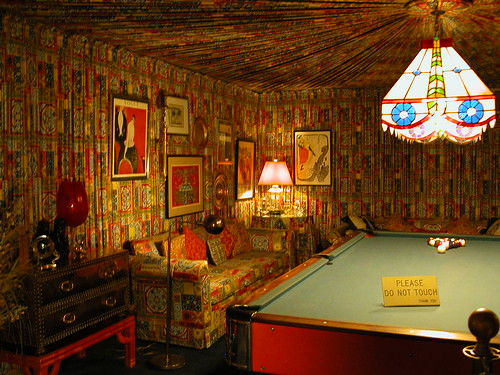 The Pool Room: just one example of Eviss terrible White Trash taste.
