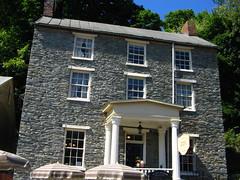 Town's Inn
