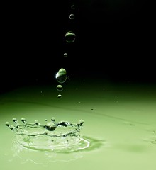 Acid Drops (Bald Monk) Tags: green robert water glass photography drops photographer acid flash alien bald monk rob splash habitat tunstall blueribbonwinner bhcc southernwater strobist superbmasterpiece excellentphotographerawards top30green
