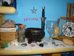 DSC05881 (Hellra) Tags: altar athame varinha