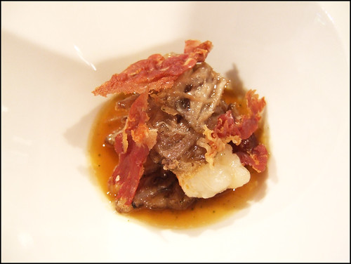 Mugaritz (Errenteria) - Braised Iberian Pork Tails and Pan Fried Languostines