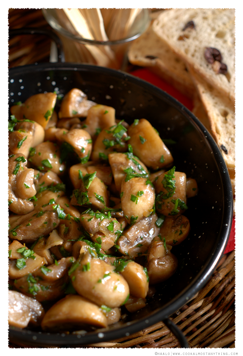 Garlic and Rosemary Mushrooms© by Haalo