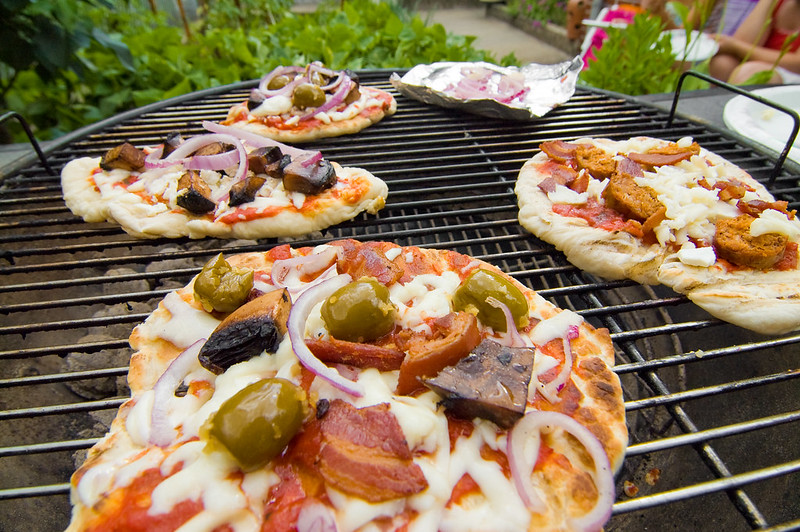 Grilling Pizzas