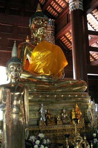Buddha images at Wat Lok Molee