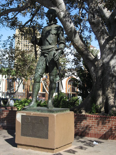 King Carlos III Statue and Moreton Bay Fig