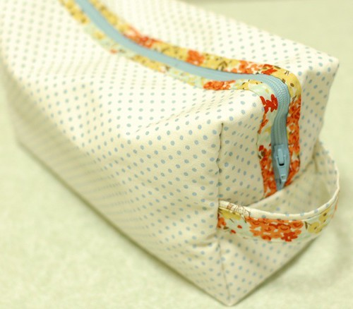 Zipper pouch for diapers