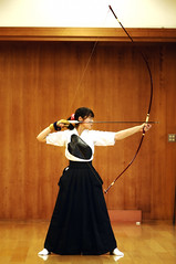Kyd  - japanese archery ( Ogawasan) Tags: beauty sport japan martialart grace kai warrior precision archer yumi japon kyudo budo bushido   japanesearchery  kyd ogawasan     thefulldraw
