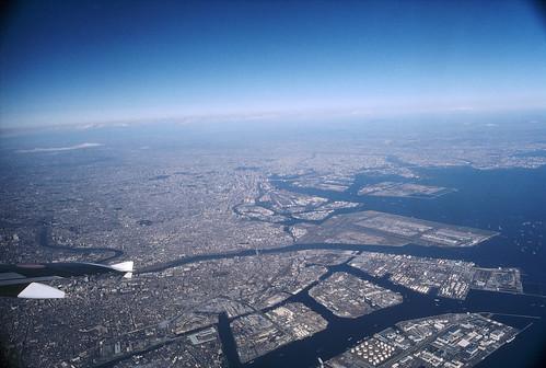 Tokyo Sky by Lono_Luno