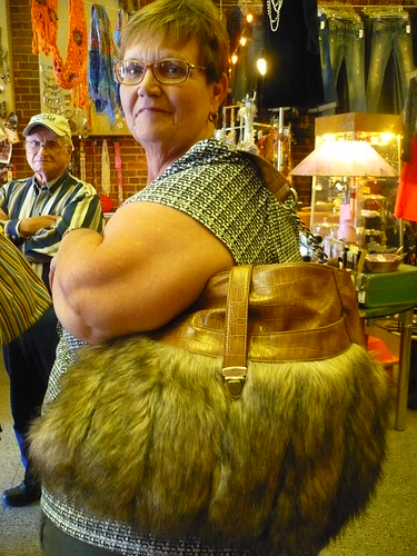 modeling fur bag