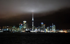 Auckland at Night (Viajante) Tags: light newzealand building tower skyline night auckland