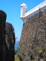 Fortaleza del Cerro, Montevideo, Uruguay. (forever_charrua) Tags: lighthouse southamerica architecture faro uruguay cerro montevideo fortress militarymuseum museomilitar fortalezadelcerro