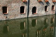 Reflet façade - Bruges - by Eisenheim.