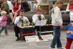 Straatmuzikanten/street musicians (FaceMePLS) Tags: copenhagen denmark muziek miscellaneous kopenhagen denemarken streetmusicians straatmuzikanten nikond200 facemepls zomer2007 flessenmuziek