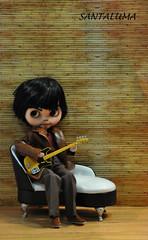 Mike tocando uma música!!