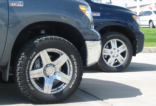 2007 Tundra CrewMax Comparison: With And Without ToyTec Lift Kit. The  Lifted Truck Is Wearing ProComp 6066 Wheels