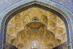 Iran Esfahan _DSC7114 (youngrobv) Tags: nikon asia iran middleeast persia mosque d200 sahib friday esfahan masjid 0704 isfahan jame iwan     safavid saheb masjed  18200mmf3556gvr hamzehkarbasi  youngrobv   dsc7114