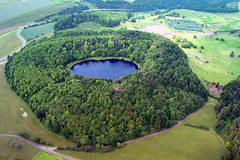 Green Volcano (Thomas Reichart ) Tags: old lake germany deutschland volcano see ancient eifel crater craterlake volcanoes vulkan maars windsbornkratersee tertiarygeologicalera