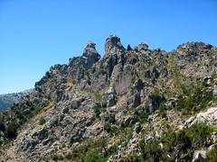 Sur le sentier entre les cols d'Arjetu et de Morello : Punta Furcuta