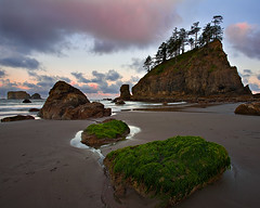 Second Beach Sunrise (KPieper) Tags: ocean nature clouds sunrise landscape washington pacificnorthwest olympicnationalpark pnw secondbeach seastacks pacificcoastscenicbyway kevinpieper kpieper kpieperphotography pieperphotographynet