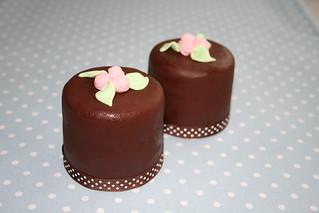 Rosey mini cakes