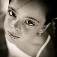 Paula (byfer / Fernando Ocaa) Tags: portrait bw 35mm square spain eyes nikon retrato paula ojos d200 cdiz f18g