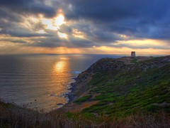 Pirates Tower Headland at Sunset (macmir) Tags: sardegna light sunset sea sky sun seascape tower clouds tramonto mare sardinia torre pirates sony cybershot rays sunrays dsc hdr arbus golfo headland h5 promontorio specland torredeicorsari macmir gesugristu maurocaddeu