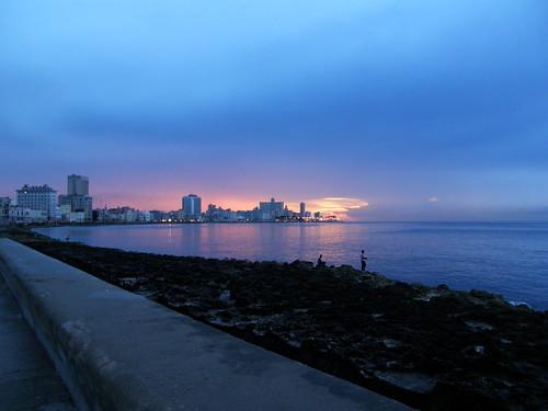 Atardecer en el Malecón de la Habana por copepodo.