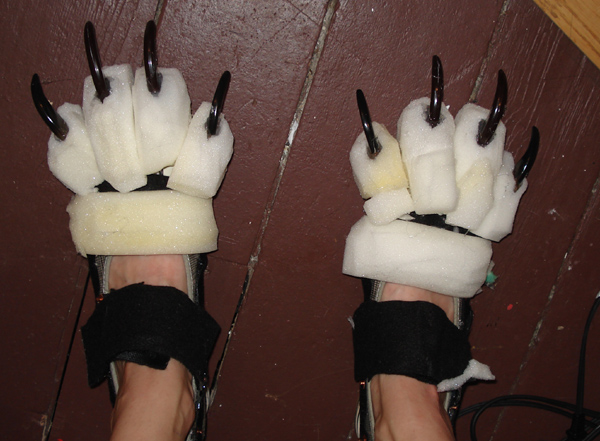 feet claws 2