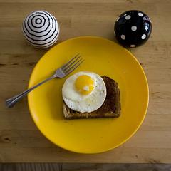 egg on toast002.jpg (swardraws) Tags: food yellow dinner circle pepper toast egg salt plate fork friedegg letseat notbreakfast
