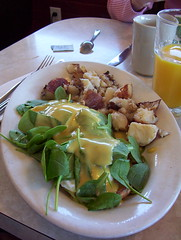 Kind of an Eggs Benedict-ish... (Lily VS) Tags: hub universal