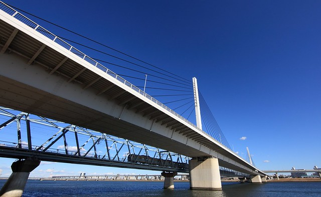 Bridges / 東西線(とうざいせん)荒川橋梁(あらかわきょうりょう)と清砂大橋(きよすなおおはし)
