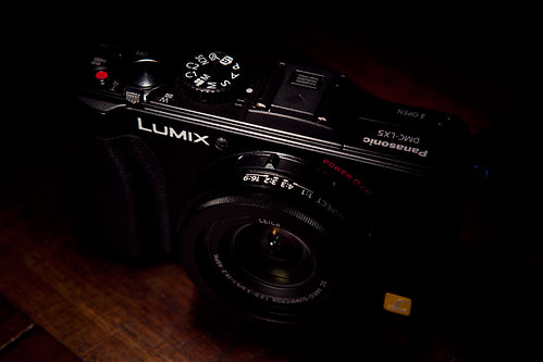 Lumix LX5 - Angled view