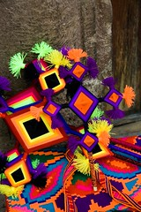 The world expressed as only Huichols can, Patzcuaro (zocalo2010) Tags: yarn explore weaving artesania eyeofgod mexicanfolkart artepopular ojodedios artesaniamexicana huichole