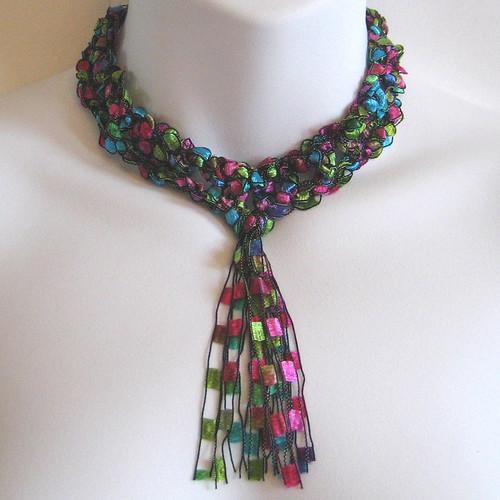 Ribbon Tassel Choker por KnittingGuru.