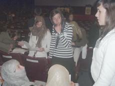 Alumnos representando a su país