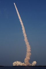endeavor (lecates) Tags: nikon florida pad nasa trail liftoff shuttle spacestation mission 1755mmf28g rocket kennedyspacecenter launch spaceshuttle iss exhaust endeavor blastoff d80 sts118 bananacreek slc39a