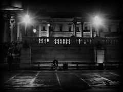 You might need somebody (ro_nya) Tags: urban london night lowlight candid trafalgarsquare handheld ronya streetphotogaphy ronyagalka