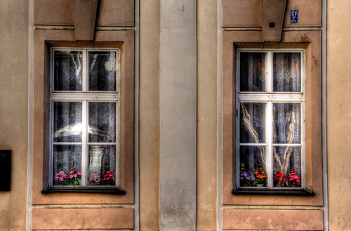 Twin windows. Prague. Ventanas gemelas. Praga
