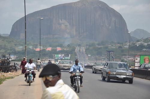 Zuma rock and road to Abuja