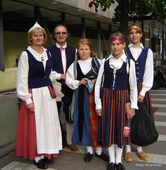 Finnish national costumes (Anna Amnell) Tags: summer people suomi finland helsinki traditional teen nationalcostume kesä kansallispuku suomalainen nationalcostumes kansallispuvut
