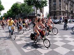 IMG_3539.JPG (Chris Kutschera) Tags: paris france manifestation 2007 cycliste protestation wnbr cyclonue cyclonudiste