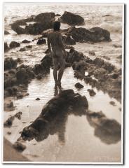 Once upon a time... (Mr. Theklan) Tags: sea nude mar retro nudismo nudism itsasoa envejecido biluzik ltytr2 ltytr1 zahartua
