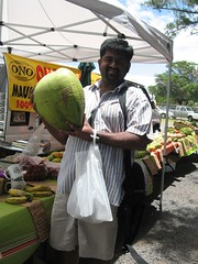 Day8_Maui_FarmersMarket (Amudha Irudayam) Tags: beach hawaii farmersmarket coconut maui raj amudha