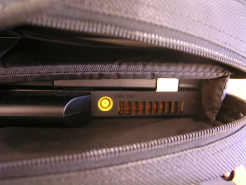 T61 裝在 Targus 背包內