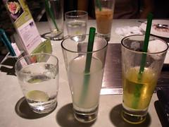 每人三杯飲料
